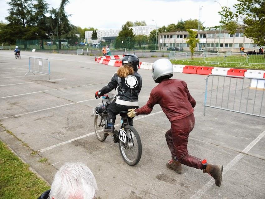 Course de solex à Rennes 15