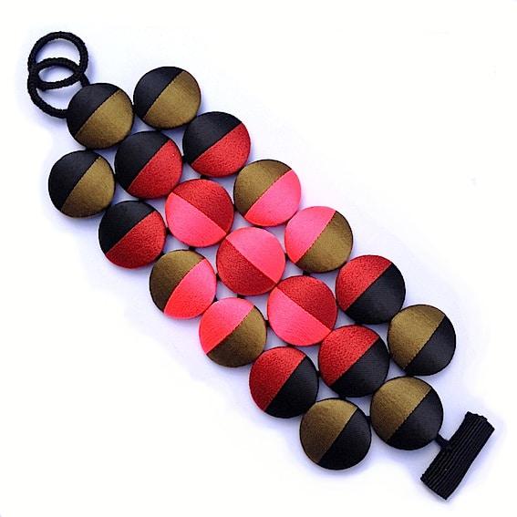 Bracelets 25