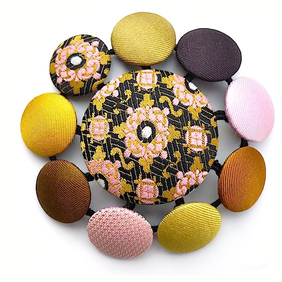 Broches pastilles 8